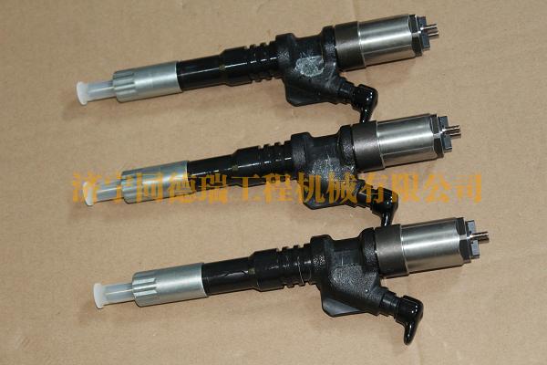 PC400-7噴油器